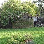 Ako sme schovali kompostér za vŕbovú ohradu